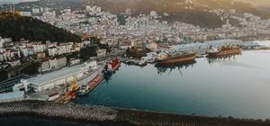 Giresun Limanı taşıyıcı kooperatifinin yüzünü güldürdü Giresun Limanından 2020 yılı içerisinde 110 bin ton, 2021 yılının ilk 3 ayında ise 38 bin 500 ton yük taşıması yapıldı