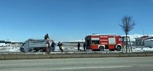 Erzurum'da kağıt yüklü kamyonet yandı
