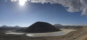 """Meke Gölü kurudu, kış yağışları yetmiyor Jeoloji Mühendisleri Odası Konya Şube Başkanı Prof. Dr. Fetullah Arık: """"Meke Gölü 2020 yılının son aylarında tamamen kurudu"""" """"Meke'nin ancak yer altı suyu seviyesi yükselirse kurtulma şansı var"""""""