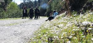 Muğla'nın akciğerlerine ziyaretçi akını Muğla'nın Menteşe ilçesi Çaybükü ve Yatağan'ın kırsal Gökpınar mahalleleri arasındaki, doğa harikası kültür yolu, temiz havası ve yürüyüş yolu ile pandemi döneminde ziyaretçi akınına uğruyor