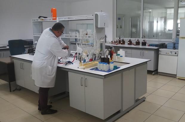 70 bin içme ve atıksu analizi yapıldı Muğla Büyükşehir Belediyesi MUSKİ Genel Müdürlüğü'nün Bodrum ve Marmaris'te bulunan laboratuvarlarında bugüne kadar 70 bin atık su ve içme suyu analizi yapıldı.