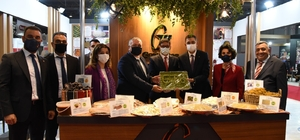 """12'inci GAPTARIM fuarı törenle açıldı Tarım Ve Orman Bakanı Bekir Pakdemirli: """"Gaziantep'e 915 milyon liralık 9 proje müjdesi ile geldik"""" GSO Yönetim Kurulu Başkanı Adnan Ünverdi: """"Gaziantep, gıda ve tarım sanayisinde oluşturduğu katma değer, sağladığı istihdam ve ihracatıyla gücünü pandemi döneminde de gösterdi"""""""