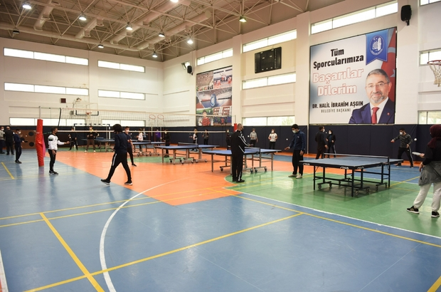 Masa tenisi antrenörlük kursu Çorum'da başladı Belediye Başkan Vekili İsmail Yağbat antrenörlük kursunu ziyaret etti