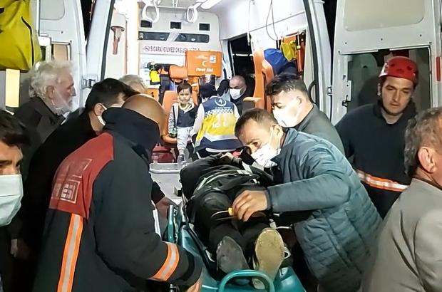 Kontrolden çıkan otomobil taklalar atarak şarampole uçtu Kazada sürücü baba ile çocuğu yaralandı