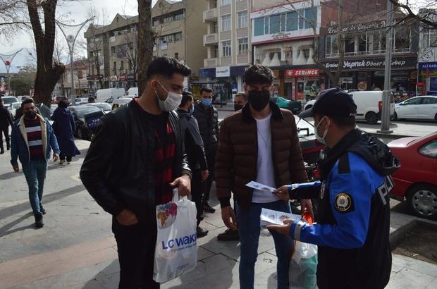 Polisler Erzincan'ın rengini mavi yapmak için broşür dağıttı