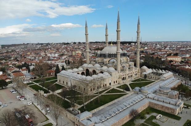 (Özel) Mimar Sinan'ın ustalık eseri Ramazan-ı Şerif'e hazır Tarihi Selimiye Camii günde 4 vardiyadan 6'şar saatte bir dezenfekte ediliyor