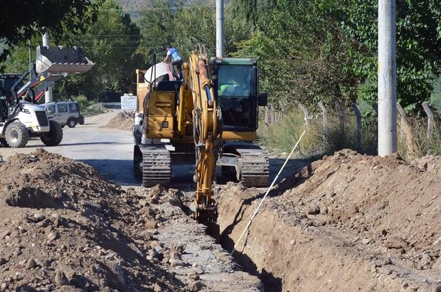 Ortaca'da 14 Mahallenin içme suyu hattı yenilendi Muğla Büyükşehir Belediyesi MUSKİ Genel Müdürlüğü ekipleri, Muğla'nın Ortaca ilçesinde 14 mahallenin içme suyu hattını yeniledi. 14 mahallede toplam 9 bin 710 metre içme suyu hattı yapıldı.