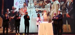 Gaziantep'te sinema rüzgarı esti Geleceğin yönetmenlerine ödülleri ünlü isimler verdi