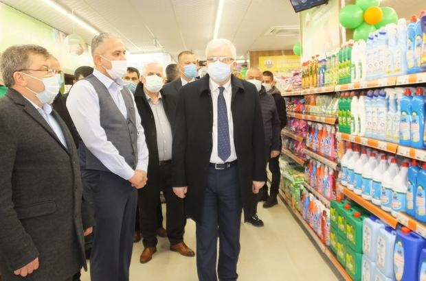 Tarım Kredi Kooperatifi Burhaniye'de market açtı