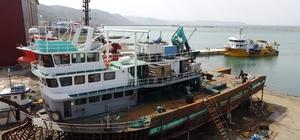 Pandemide işleri daha da arttı Denizlerde balık azalıyor ama tekne yapımı artıyor Trabzon'un Sürmene ilçesi Yeni Çamburnu Tersanesi pandemiye rağmen dünyanın farklı ülkelerinden tekne siparişi alıyor