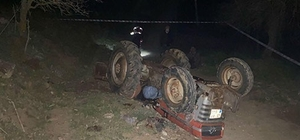 Koruma demiri olmayan traktör devrildi: 1 ölü