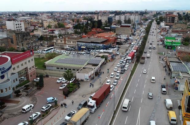 Köprü çalışması trafiği felç etti: 9 kilometrelik kuyruk oluştu İstanbul değil Adana trafiği