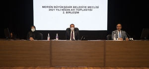 """Seçer: """"Ramazan'da Türkiye'nin en ucuz pidesini vatandaşa ulaştırıyoruz"""" Mersin Büyükşehir Belediye Başkanı Vahap Seçer: """"Her gün 3 ilçemizin 3 mahallesinde ücretsiz yemek dağıtımı yapacağız"""""""