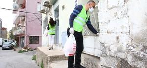 Bayraklı Belediyesinden 10 bin kişilik iftar paketi