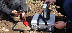 'Akıllı Toprak Analiz Cihazı' Ağrılı çiftçileri rahatlatacak Bu cihazla 10 dakika içerisinde toprak analizi mümkün