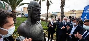 """İlk Türk denizcilerinden Çaka Bey'in büstü açıldı Başkan Soyer: """"Amacımız, Çaka Bey'in önemini hatırlatmak"""""""