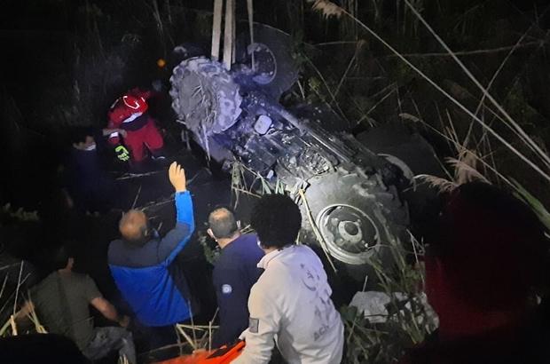 Kanala devrilen traktörün sürücüsü hayatını kaybetti