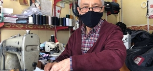 """9,5 metrekarelik dükkanında 55 yıllık mesleğini sürdürüyor Dükkanını her gün dua ile açıyor Terzi Hasan Hüseyin Çırak: """"Meslekte çırak yetişmiyor, torunlarıma söyledim onlar da ilgilenmedi"""""""
