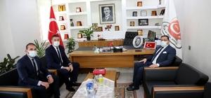 """Eken, """"Sivas için ortak çalışmalar yürüteceğiz"""" Sivas Ticaret ve Sanayi Odası (STSO) Başkanı Mustafa Eken, göreve yeni gelen STK ve Kamu görevlilerine hayırlı olsun ziyaretinde bulunarak, STSO olarak tüm kurum ve kuruluşlarla iş birliği içerisinde olacakları mesajını verdi"""
