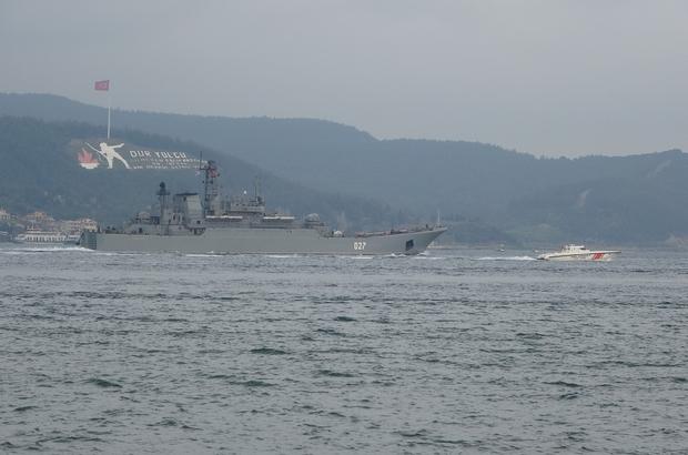 Rusya gemilerini Karadeniz'e çekiyor...İki savaş gemisi Çanakkale'den geçti Rus savaş gemileri peş peşe Çanakkale Boğazı'ndan geçti