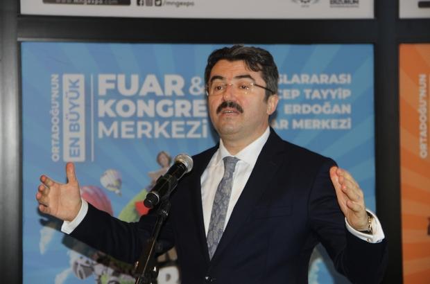 """Erzurum Valisi Memiş: """"Sayın valim çok ceza yazdınız diye kimse bana söylemde bulunmasın"""" """"Peşin, peşin söylüyorum hiç kimseye haksızlık etmeyeceğiz ben de kurallara uymazsam ben de cezamı yiyeceğim"""" """"Bütün vatandaşları ikaz ediyorum tüm polis ve jandarma ekiplerini sokaklarda göreceksiniz"""" Erzurum Valisinden sert uyarı"""