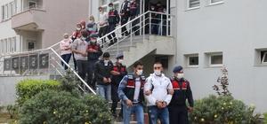 İzmir'de uyuşturucu şebekesi çökertildi: 20 gözaltı İzmir'de 22 adrese eş zamanlı uyuşturucu operasyonu: 20 şüpheli yakalandı