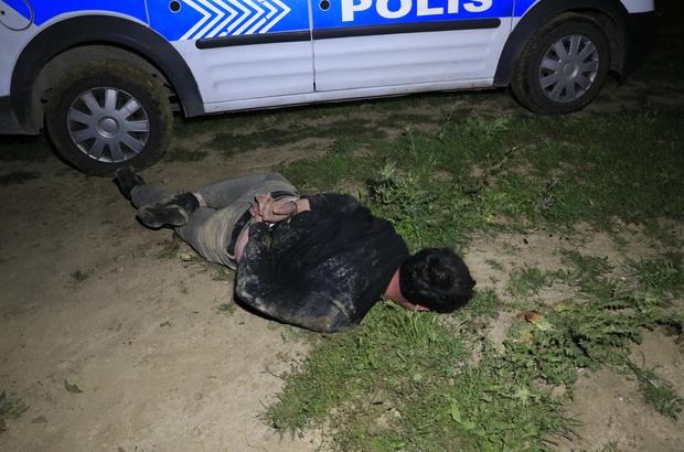 10 kilometre kaçıp tarlaya girdi, aracını tarlada bırakıp saklanırken yakalandı