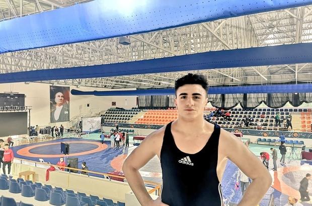 Sivaslı sporcu güreşte Türkiye 2.'si oldu
