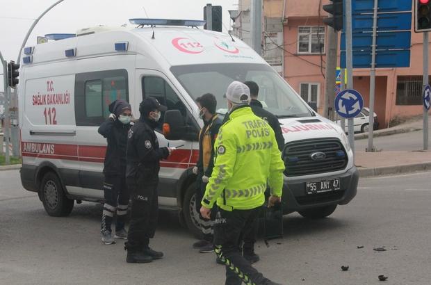 Ambulans ile motosiklet çarpıştı: 1 yaralı