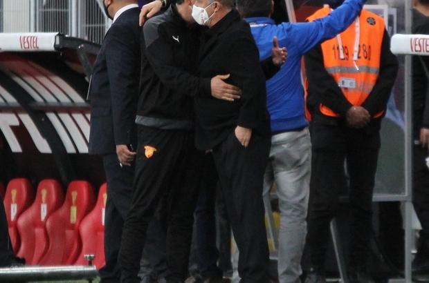 Süper Lig: Göztepe: 1 - Galatasaray: 2 (İlk yarı)