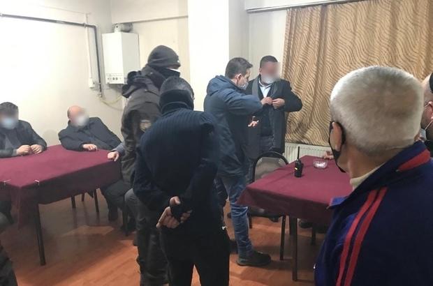 Kısıtlamada oyun oynadılar polisten kaçamadılar Erzurum'da yasaklara uymayıp kahvehanede oyun oynayan şahıslara 83 bin 256 lira ceza kesildi