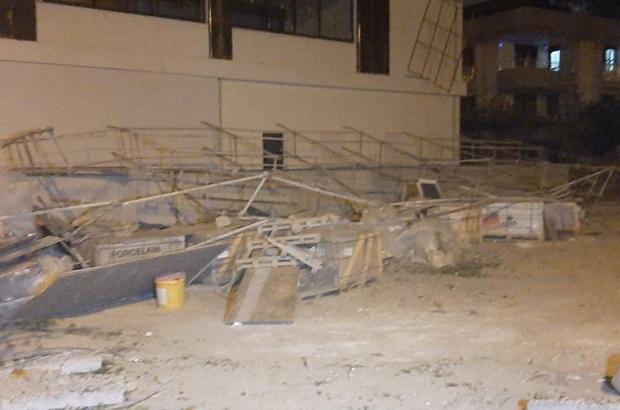 Fırtına yıktı geçti Denizli'de şiddetli rüzgar kent genelinde hayatı olumsuz etkiledi