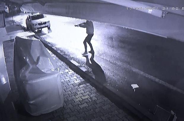 Olay çıkartılan pastaneye 2 saat sonra da silahlı saldırı Pompalı tüfekli silahlı saldırı anı işyerinin güvenlik kamerasına yansıdı