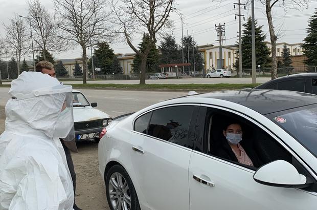 Karantina ihlali yapan 6 kişi uygulamada yakalandı Trafik uygulamasında 28 kişiye sokağa çıkma ihlalinden ceza yazıldı Ankara'da izole olması gereken adamın Düzce'ye hastaneye geldiği belirlendi