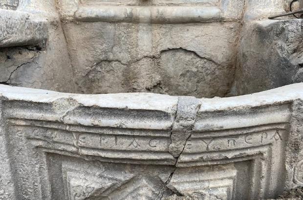 Tarihi çeşme önce definecilerin sonra hafriyat kamyonunun kurbanı oldu 1500 yıllık Bizans dönemine ait çeşme ilgi bekliyor