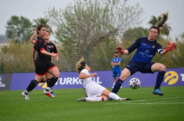 Kadınlar Futbol Ligi D Grubu 1.Hafta Konak Belediyespor - Kayseri Gençlerbirliği: 0-0
