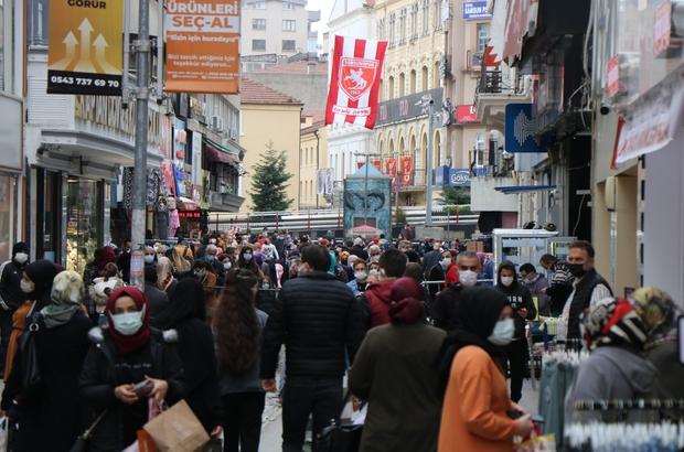 Eski vaka lideri Samsun'da tekrar liderliği geri kazandıracak hareketler Covid-19 vaka sayılarının azaldığı Samsun'da cadde ve sokaklardaki kalabalık 'pes' dedirtti Takviye için Ankara ve İstanbul'dan gelen 209 hazır kuvvet polisi görev yerlerine geri döndü