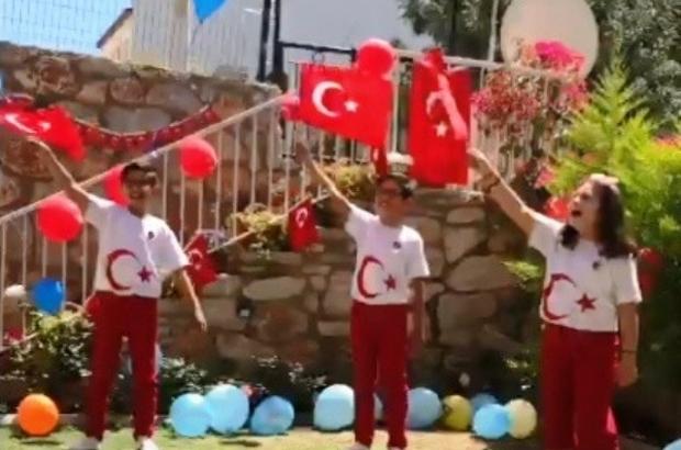 Datça'da 23 Nisan'ı evlerinde kutladılar