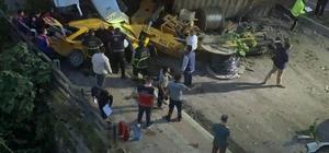 Hatay'da freni boşalan vinç dehşet saçtı Hatay'da vincin freni boşaldı: 2 ölü, 6 yaralı