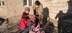 Kaymakam Balcı, 'Çatkapı' projesiyle kapı kapı dolaşıyor