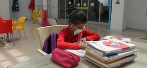 Hastane, Yörük kızı Cennet'in okulu oldu