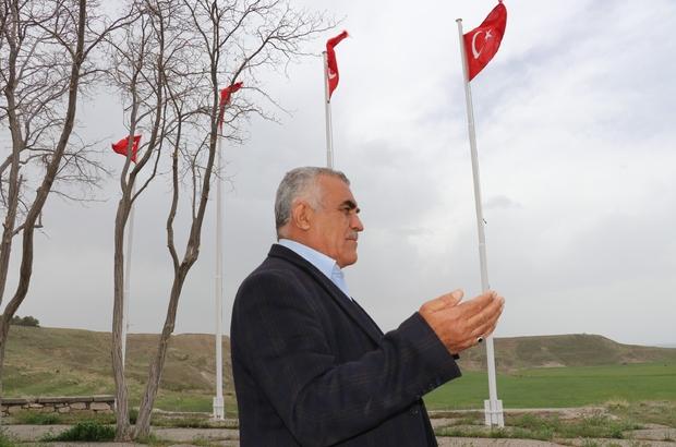 Ermeniler aynı aileden 80 kişiyi yakarak katletti Ermeni zulmünden bir aileden sadece 3 kardeş kurtulmuş Van'dan ABD Başkanının 'soykırım' yalanlarına tepki