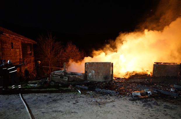 Kastamonu'da feci yangın: 2 ölü, 1 yaralı 3 ev ve bir araba yangında küle döndü