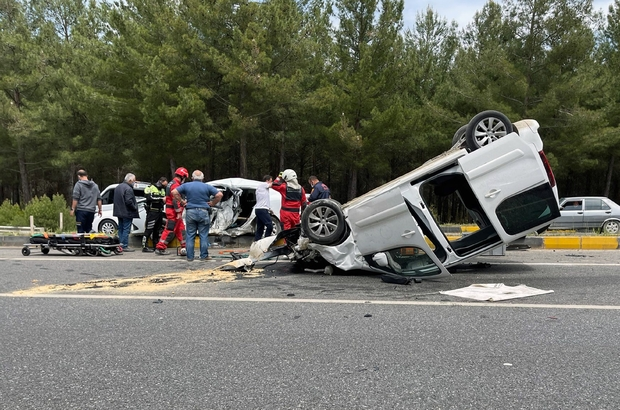 Muğla'da kaza: 1 ölü, 5 yaralı Menteşe-Ula karayolu Gülağzı Mevkiinde iki aracın karıştığı kazada bir kişi öldü 5 kişi yaralandı.