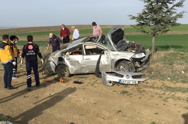 Hurdaya dönen otomobildeki yaşlı çiftin inanılmaz kurtuluşu Konya'da taklalar atarak hurdaya dönen otomobildeki yaşlı kadın yaralanırken, araç sürücüsü eşi kazayı yara almadan atlattı