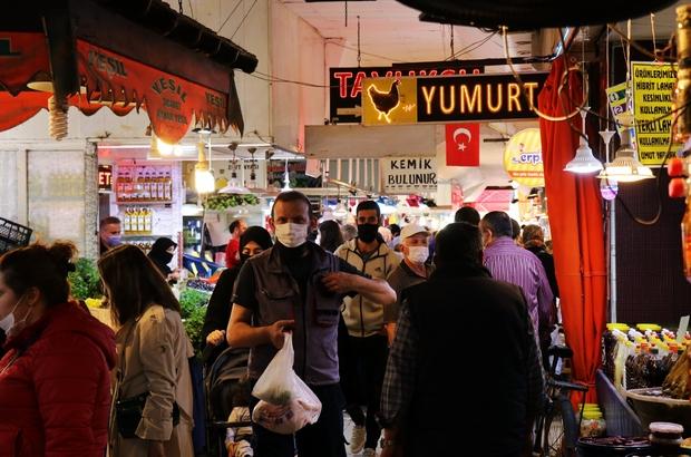 Pazar tezgahına 'tam kapanma' ayarı Kısıtlama öncesi çarşı pazarda alışveriş izdihamı