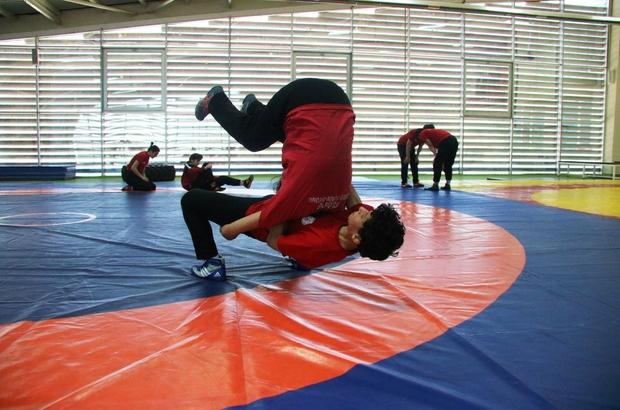 Minderin Sultanı Diyarbakır'da ilki başardı Avrupa ve Dünya Şampiyonası'nda güreşecek