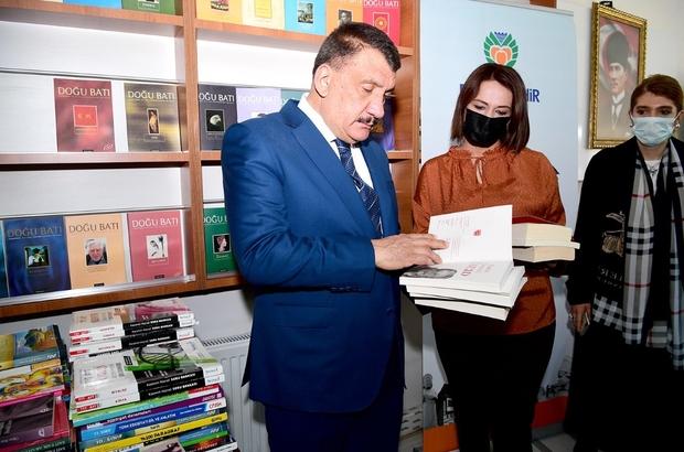 """Malatya Büyükşehir'den """"bir kitap ta sen bağışla"""" kampanyası"""