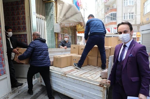 Başkan Demirtaş'tan sanatçılara erzak desteği