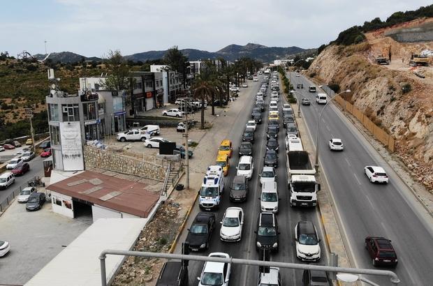 Bodrum'a gelenler 5 kilometrelik yolu 45 dakikada geçti Tam kapanmaya saatler kala Bodrum trafiği durma noktasına geldi